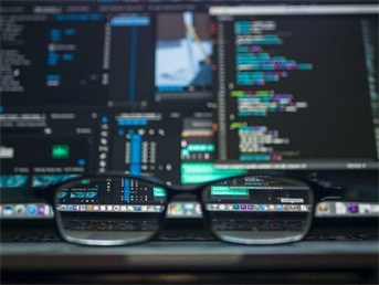 Python为何受青睐?粤嵌培训解析Python崛起的原因