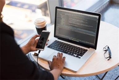 HTML5入门培训哪家好?选择粤嵌教育