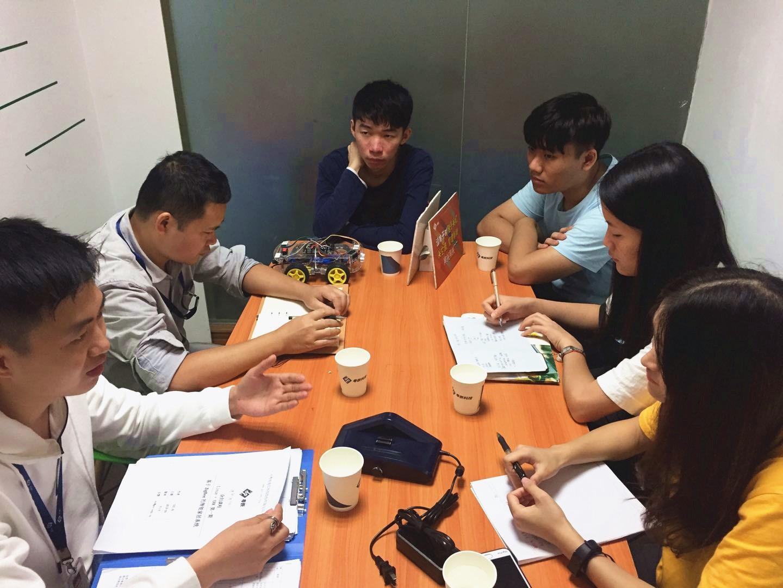 广东工贸职业技术学院众创空间运营团队到访粤嵌开展交流活动