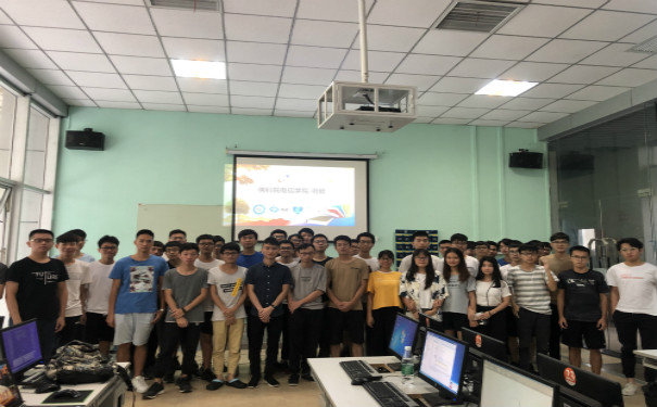 佛山科学技术学院电子信息学院学生团体到访粤嵌科技参观实训