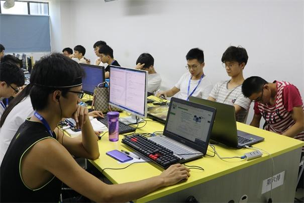 采访了粤嵌高薪就业的学员:他们身上都有这些共同之处