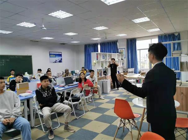 懷化學院雙創商業計劃書培訓講座成功召開