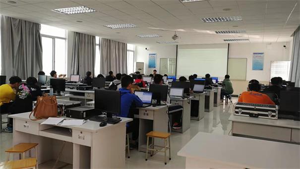 粤嵌科技联合广州工商学院为产业学院学生举办专业实训教学培训班