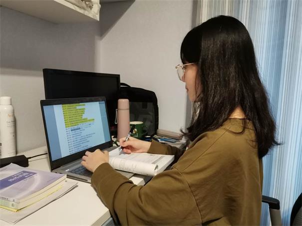 漓江学院粤嵌卓越班学生假期动态:敲代码 改bug 做项目忙的不亦乐乎