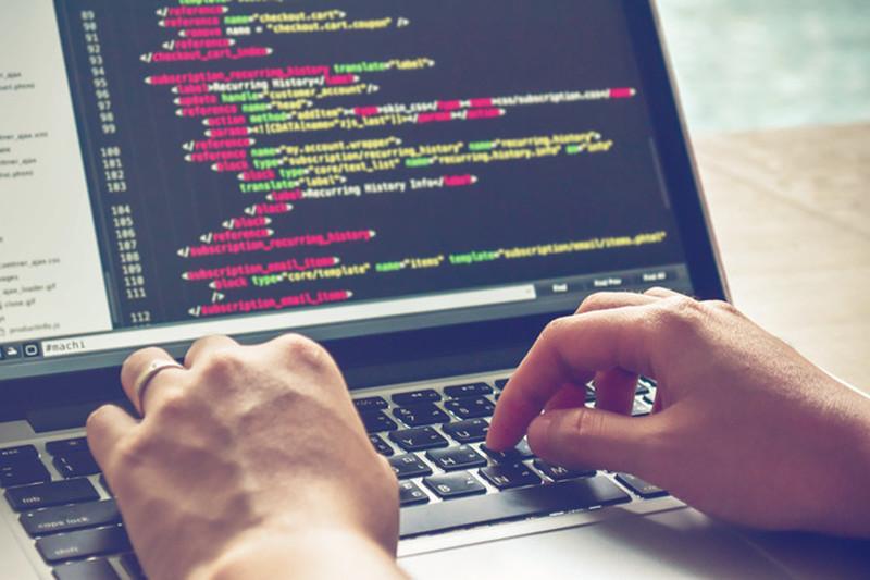 Web前端培训:新手学哪个前端框架比较好?