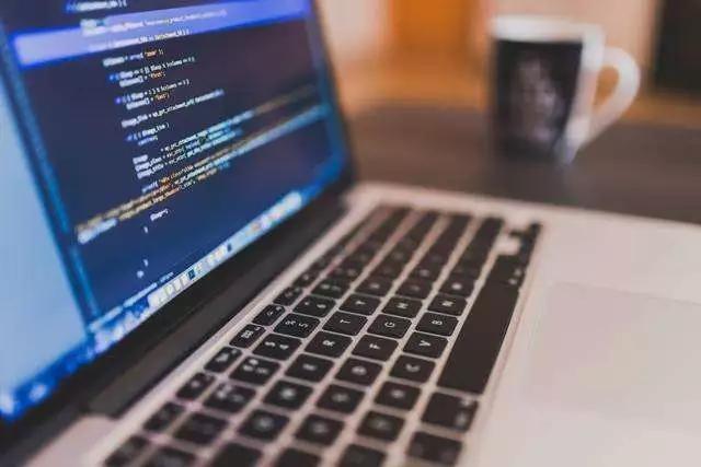 Web前端培训:3个好用的前端代码编辑器